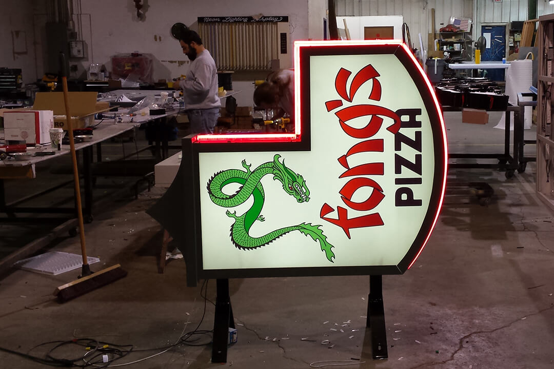 Manufacture Fong's Pizza Projection Sign