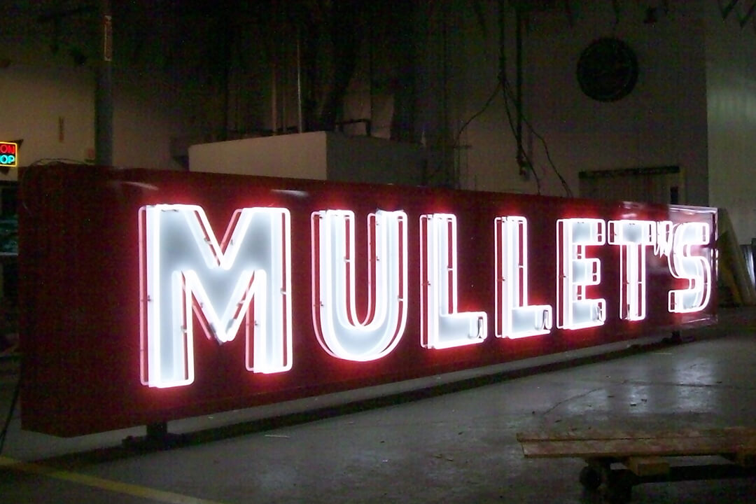 Manufacture Mullet's Neon Sign