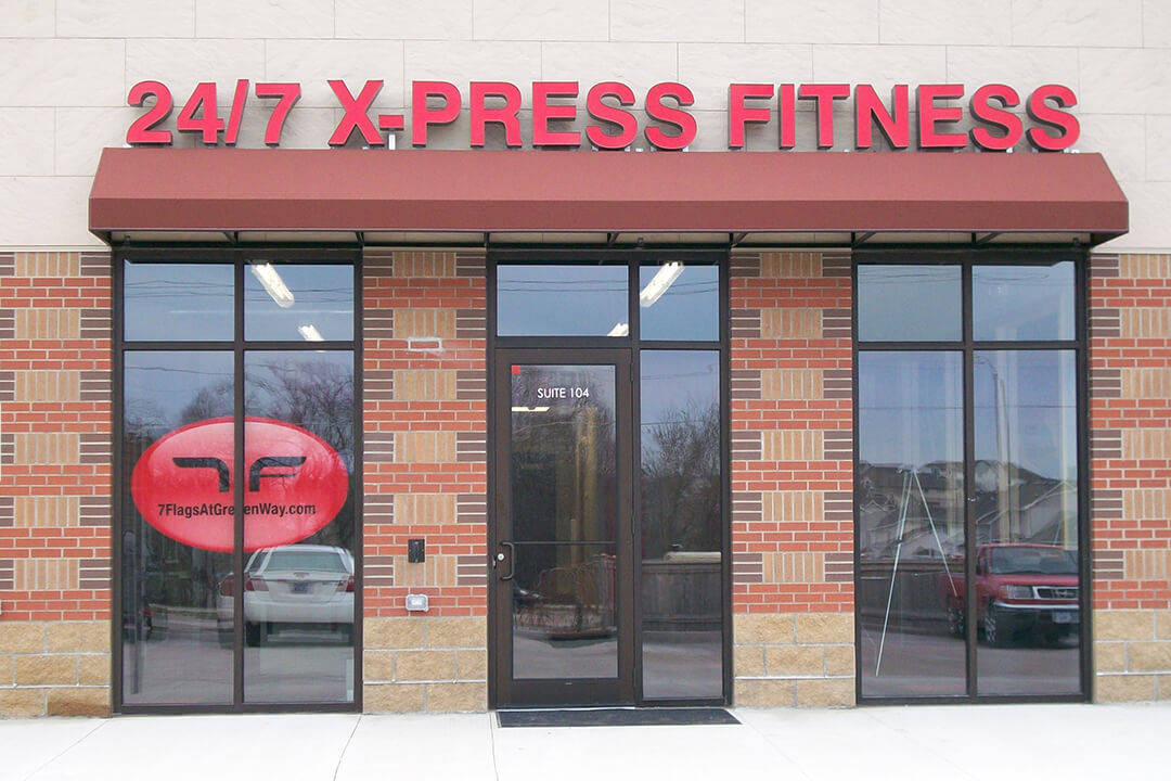 Awning 24/7 X-Press Fitness