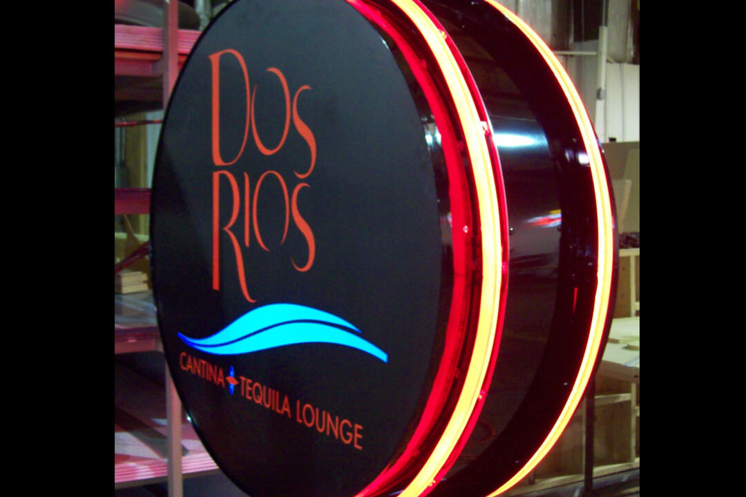 Projection Signs Dos Rios