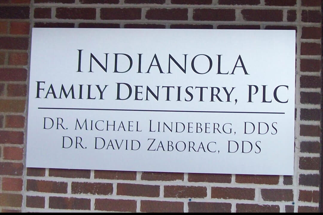 Wall Signs Indianola Family Dentistry