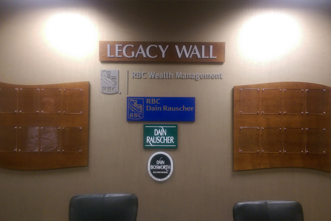 PLAQUES LEGACY WALL
