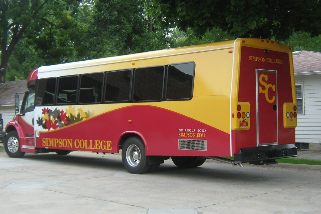 FULL WRAP SIMPSON COLLEGE BUS